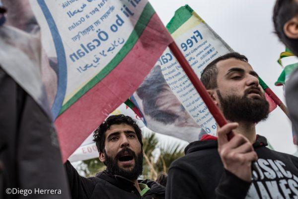 Un hombre gritando durante una manifestación contra Erdogan en las calles de Lavrio (Grecia)